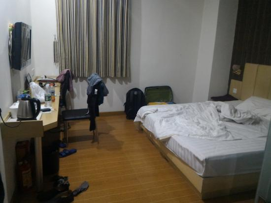 Taver New Hotel: inside room