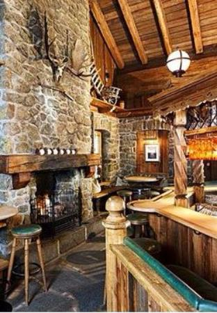 Grizzly Bar: Интерьер бара