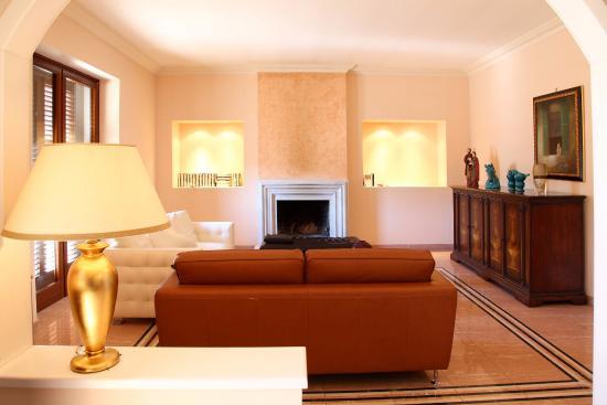 B&B Cuntidecima : CUNTIDECIMA è la location ideale per la tua vacanza: il suo ambiente lussuoso ed elegante, il se
