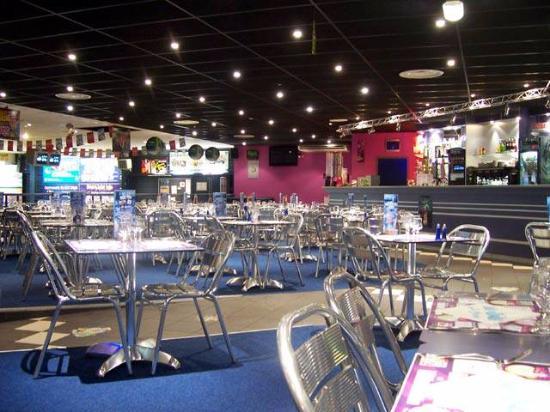 Chaumont, Frankreich: la salle de restaurant, vue sur les pistes