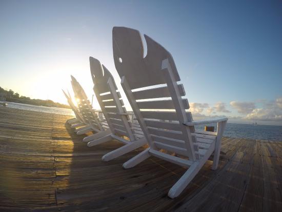 Utila Lodge: I Love These Dock Chairs!