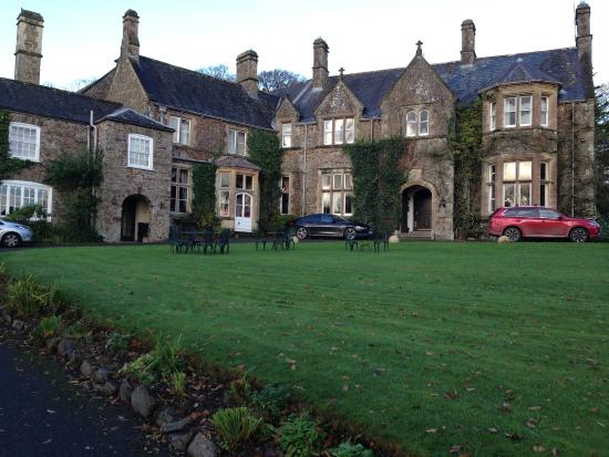 Burrington, UK: The Hotel in November