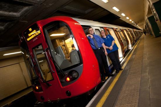 ロンドン地下鉄 チューブ