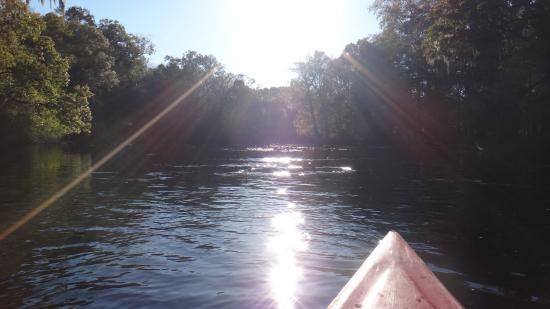 Rum 138: River view