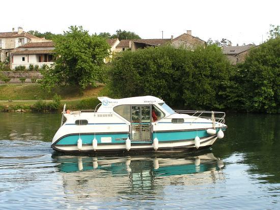 Balades En Bateau Sur Les Canaux: Nicols Confort 900 - Inter-Croisieres