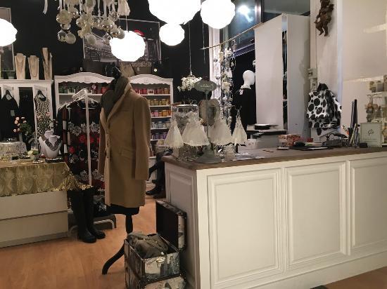 negozio - Picture of Gio Cafe, Noventa Padovana - TripAdvisor