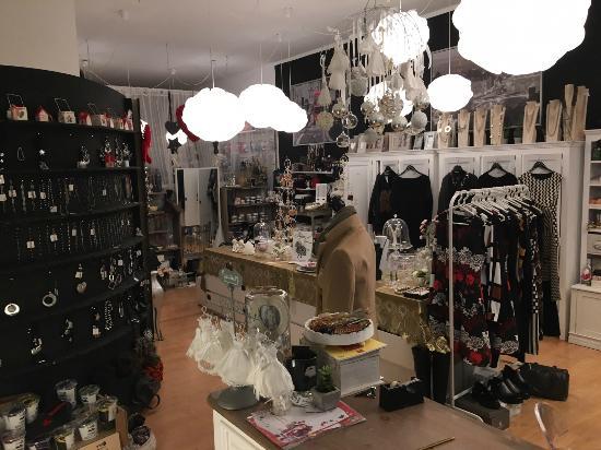 negozio - Foto di Giò Cafè, Noventa Padovana - TripAdvisor