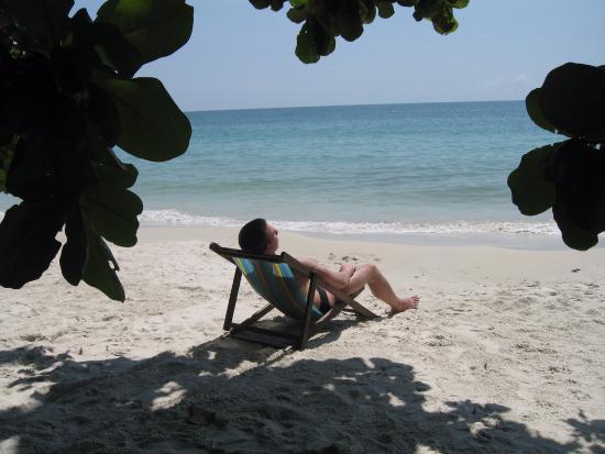 Kanok Buri Resort : Пляж