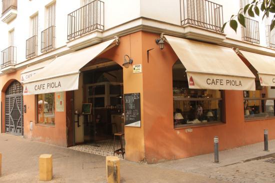 Cafe Piola