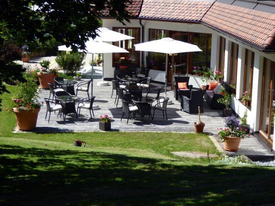 Hotel Buntali: Garden & Terrace