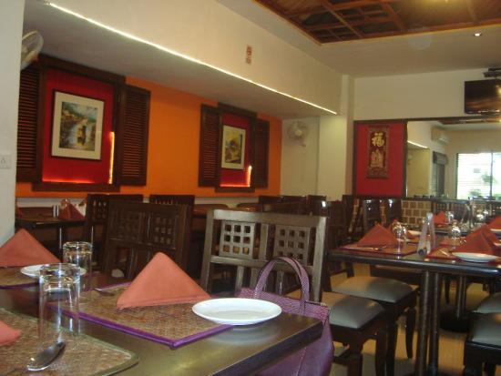 Flaming Wok: Inside the Restaurant
