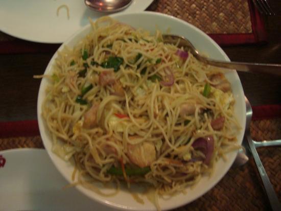 Flaming Wok: Chicken Hakka Noodles
