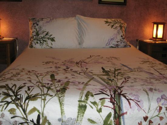 Arbour Cottage B & B: Lilac Room