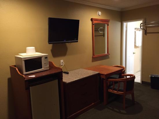 Bevonshire Lodge Motel: Micro-ondas e frigobar