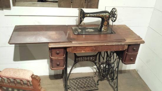 Singer Sewing Machine - Picture of Museum of South Texas