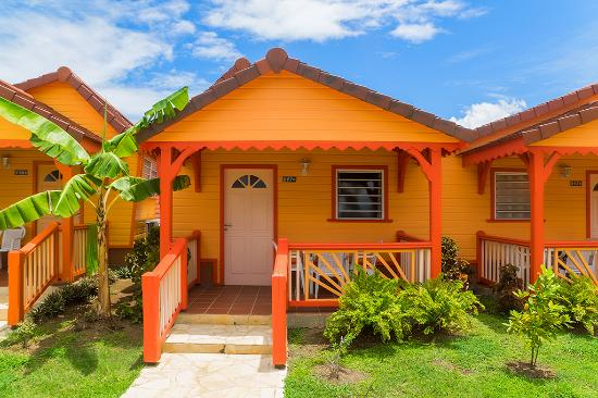 Hôtel Bambou : bungalow orange