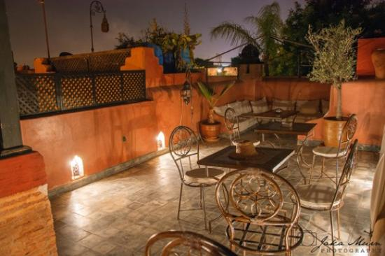 Riad Sharmance: Roof dining