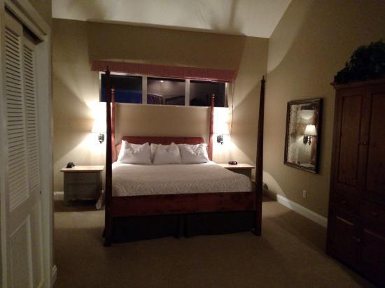 Homestead Resort: Room 239 Sleeping area