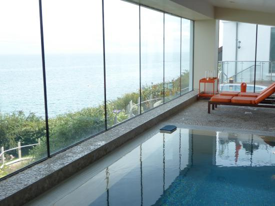 Cliff House Hotel Pool