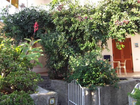 Hotel Residence Mendolita: Grounds
