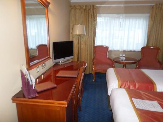 Killarney Towers Hotel & Leisure Centre: Room 203