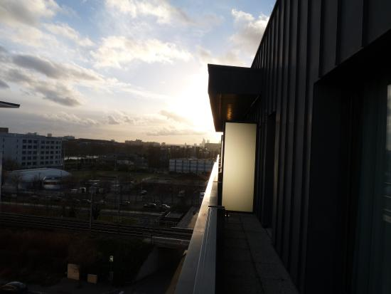 Residhome Appart Hotel Asnieres: The Balcony (6th floor)