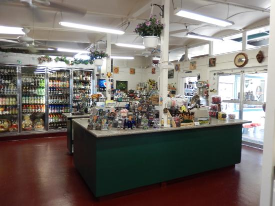 Merced Fruit Barn: center store