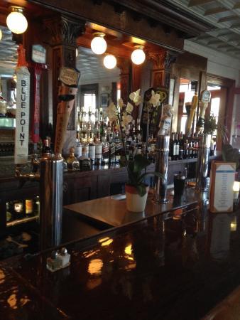 Frenchtown, Нью-Джерси: Ample Bar Space