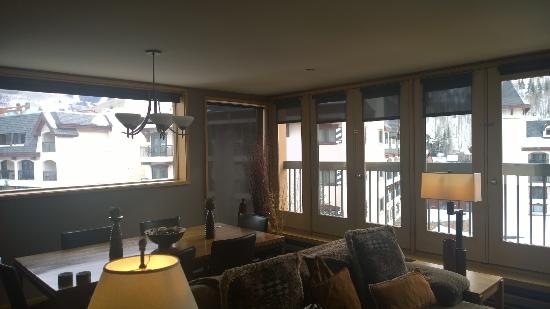 The Vail Spa Condominiums: Living Room