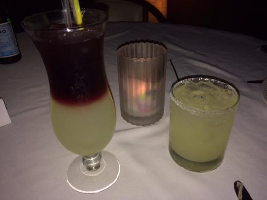 Palermo's Steakhouse: Sangria and Margarita on the rocks