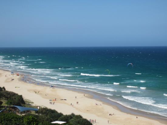 Coolum Beach, Avustralya: Beach at Play