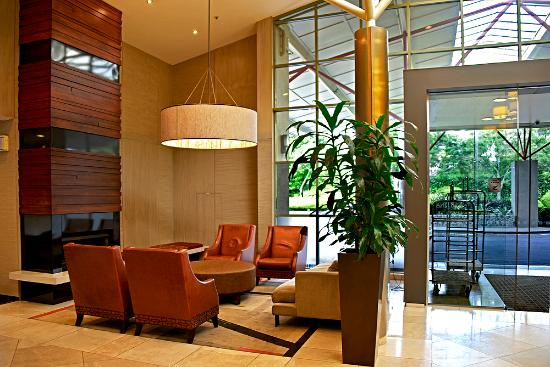 Waipuna Hotel & Conference Centre: Attractive lobby