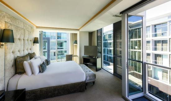 Sofitel Auckland Viaduct Harbour: Junior Suite