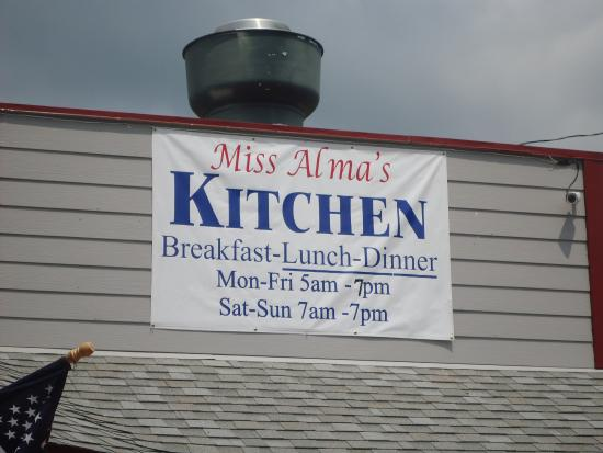 Sperryville, VA: Miss Alma's Kitchen