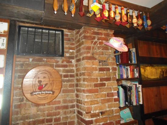 Eichardt's Pub: BOOKS AND PUB par·a·pher·na·lia.