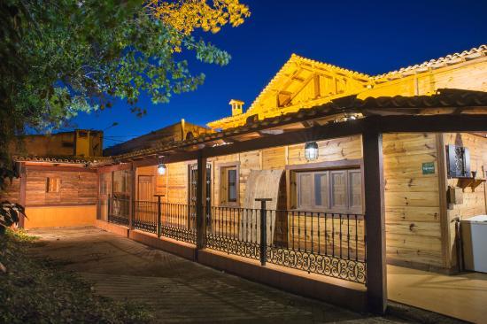 Casas de Ves, España: Vista general de casa rural EL PARAISO