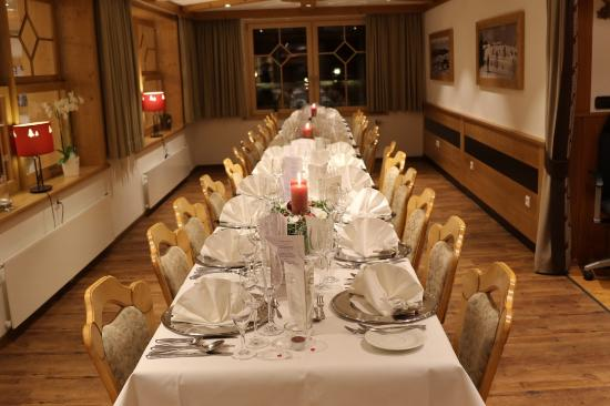 Hotel-Cafe-Restaurant Nagele: Wunderschöne Tafel