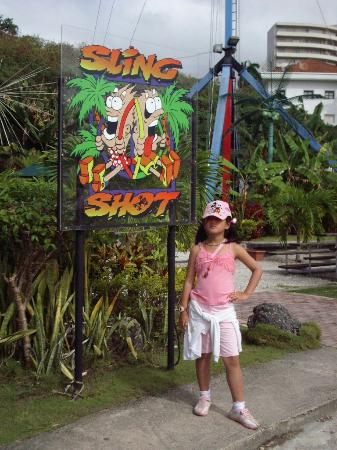 Slingshot Guam: 高空弹力球
