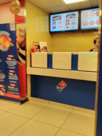 Domino's Pizza: domino' pizza