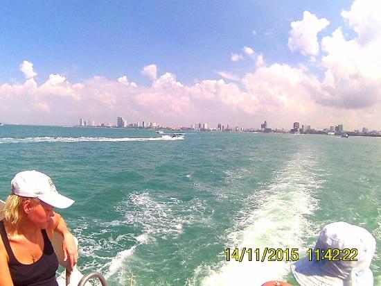 FHD0057_large.jpg - Picture of Koh Lan (Coral Island), Pattaya - TripAdvisor