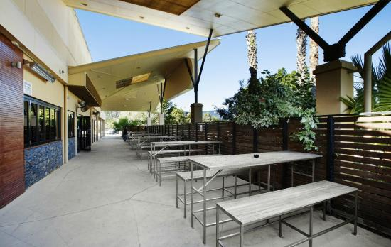 Ashmore, Australia: Beergarden