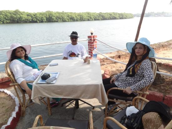 River View Restaurant: Sun Water & Breeze together