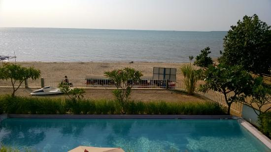 Jepara Beach Hotel: Room view during day