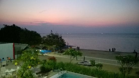 Jepara Beach Hotel: Room view after sunset