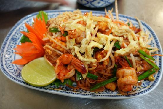 Etoy, Szwajcaria: Nouilles aux crevettes (pad thai)