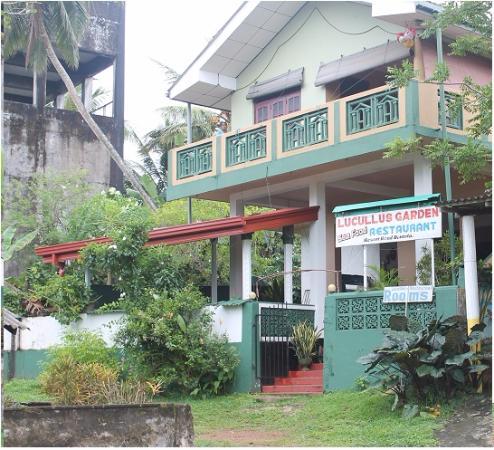 Lucullus Garden Restaurant: Хороший ресторанчик