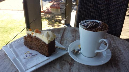 The Merchant Tea and Coffee: Cake and coffee