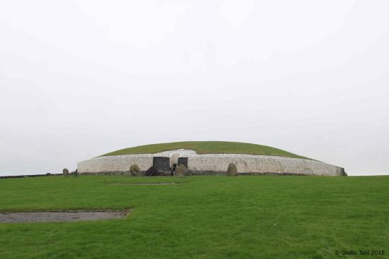 Newgrange Lodge: The archaeological site