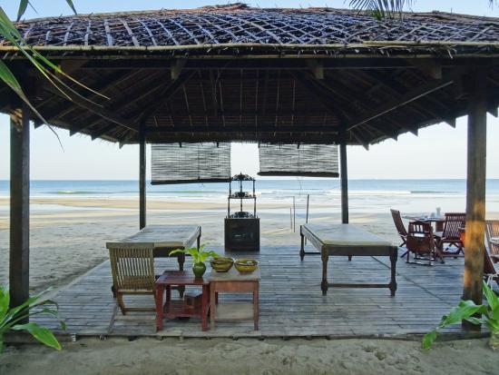 The Palm Beach Resort : Massage Area