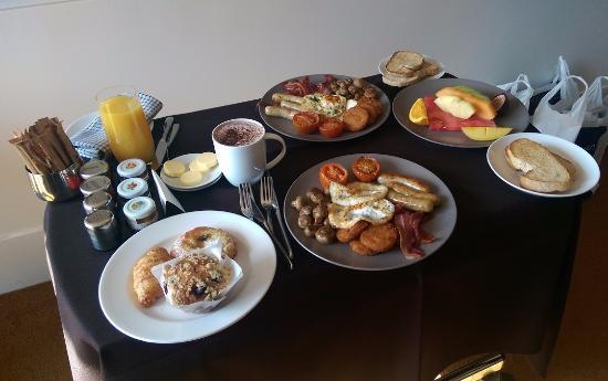 Breakfast At Crown Melbourne